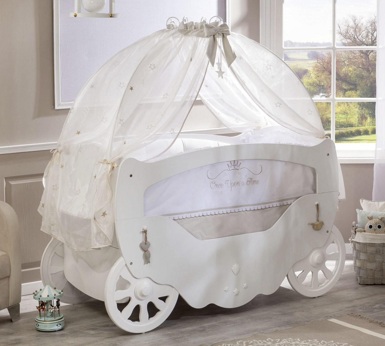 ber os para completar o quarto de princesa da sua beb. Black Bedroom Furniture Sets. Home Design Ideas
