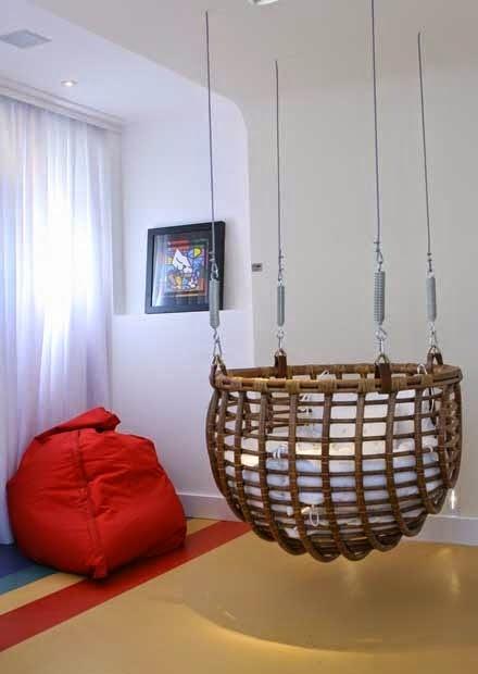 Berço de bambu com cabos de aço