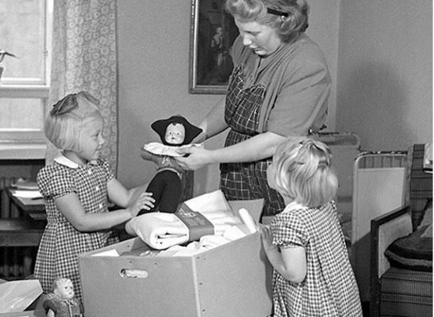caixa de papelão para bebê