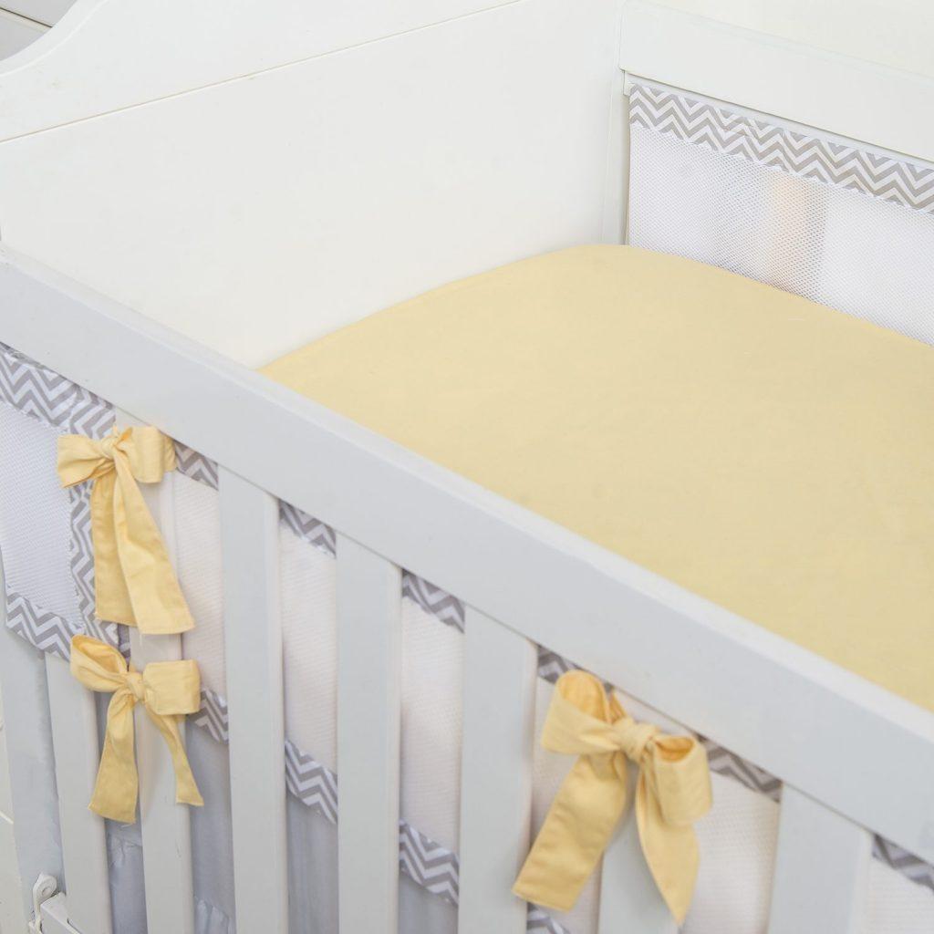Kit Berço Chevron unissex, tendência com tons sóbrios para mamães minimalistas